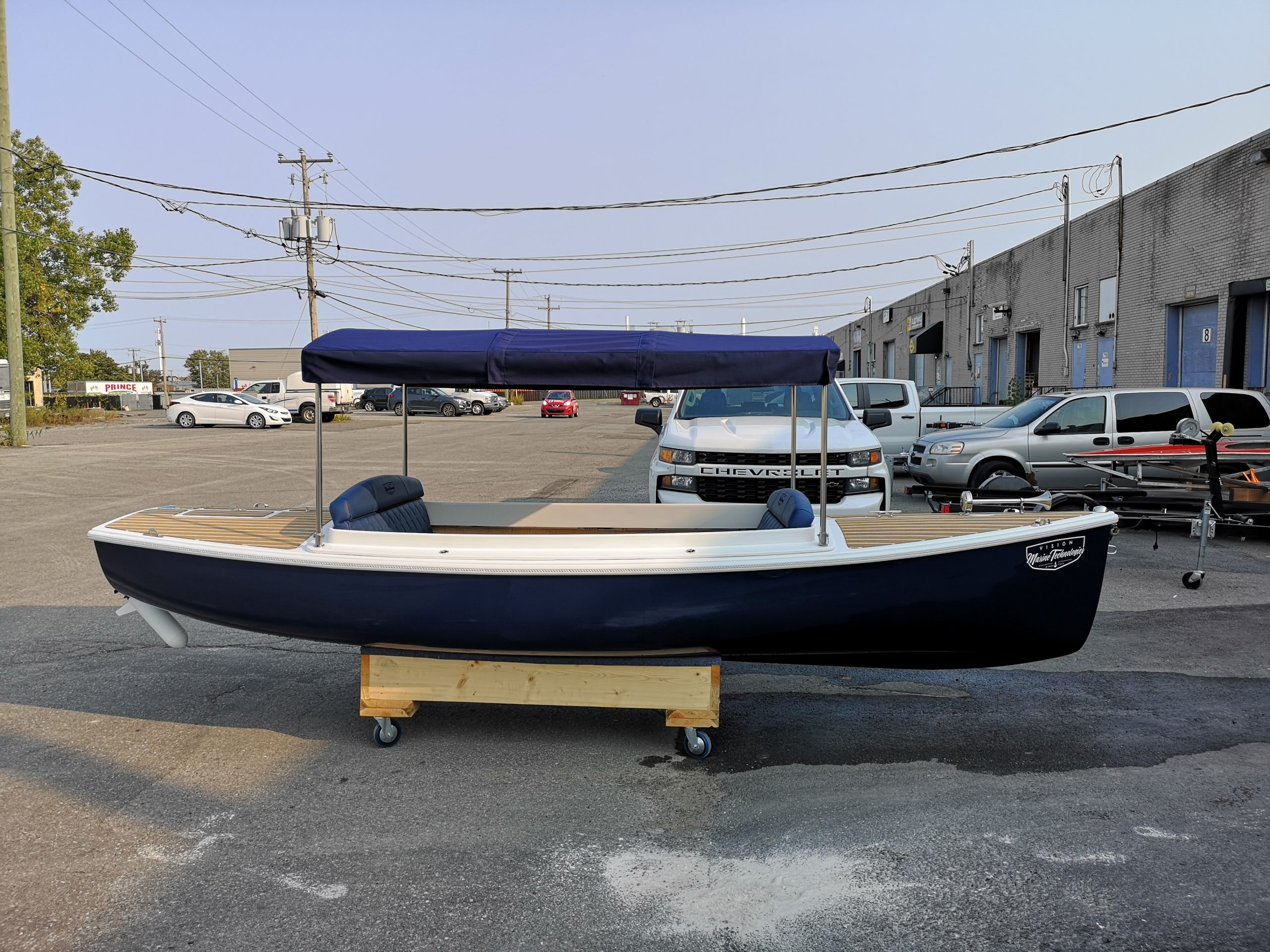Quietude 156, electric boat, vision marine technology, lake boat